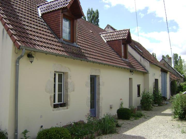 Loue logement entier avec terrasse exterieure