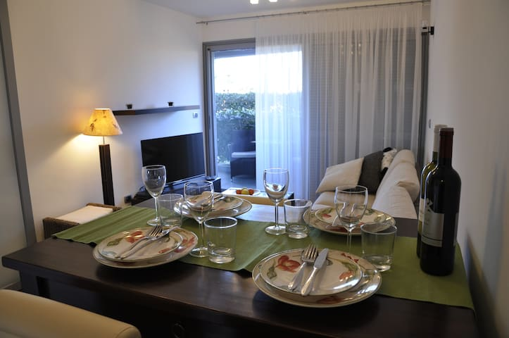 Modern two-bedrooms apartment in prime area. - Rovinj - Apartment