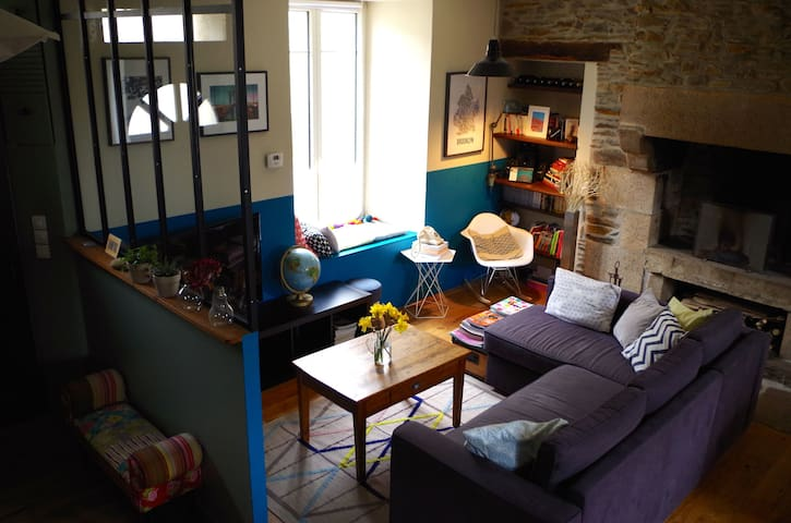 Charming breton village house - La Roche-Derrien - Casa