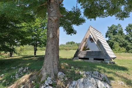 Wooden hut 15min from Plitvice lakes
