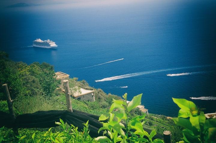 Asia: casa vacanze con solarium ad Amalfi