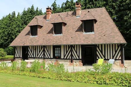 Maison normande à 15 min d'Honfleur - Quetteville - Hus