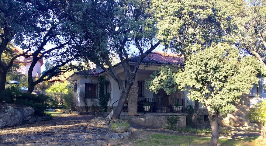 Chalet en Los Berrocales, Alpedrete - Alpedrete - Casa