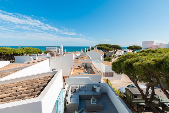 VIBRANT BEACH TOWNHOUSE (31) - 3 bed, Vale do lobo