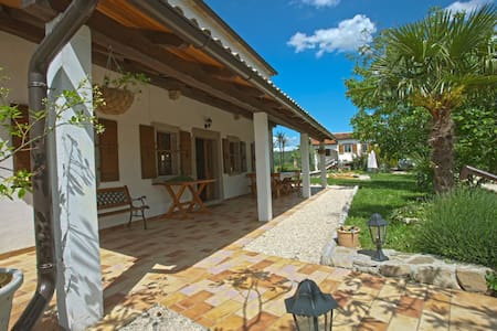 Glavini - Magical Villa with 3ha - Korelići - Villa