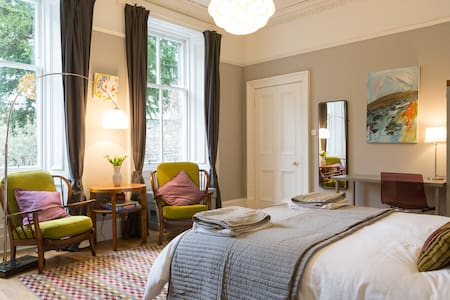 Georgian en-suite/breakfast/parking - Edimburgo - Bed & Breakfast