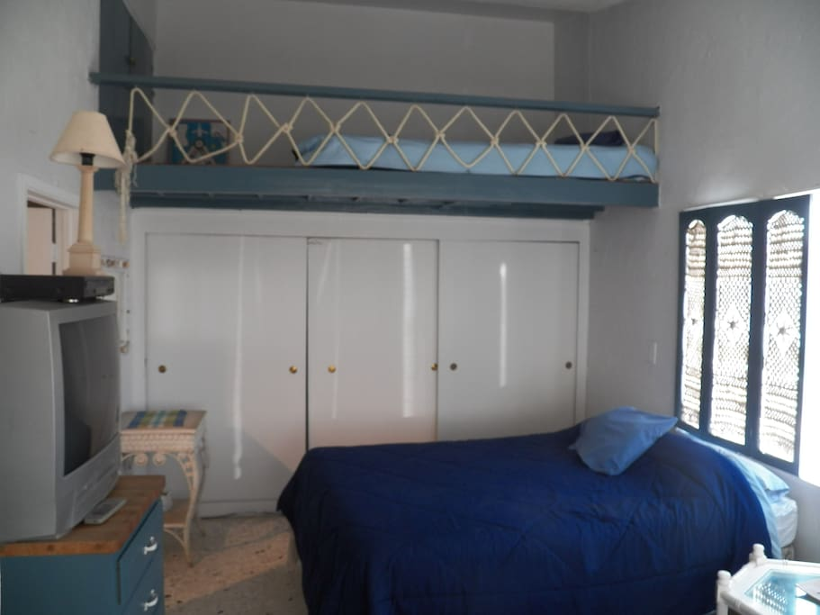 2nd bedroom (x2) queen beds and (x1) loft full bed
