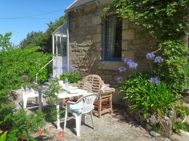 Charming house, 50m to seaside - Ploulec'h - Hus