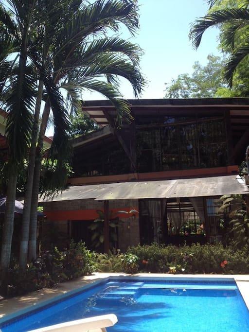 Casa piedra blanca case in affitto a jaco puntarenas for Case affitto costa rica