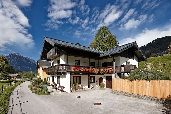 Close to Salzburg but in a wonderful valley! - Golling an der Salzach - Departamento