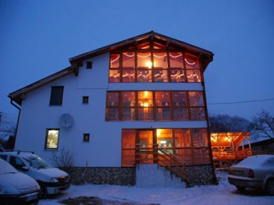 Hille Guesthouse in winter