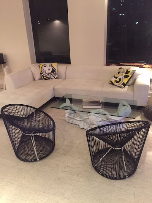 Livingroom with skyline views!