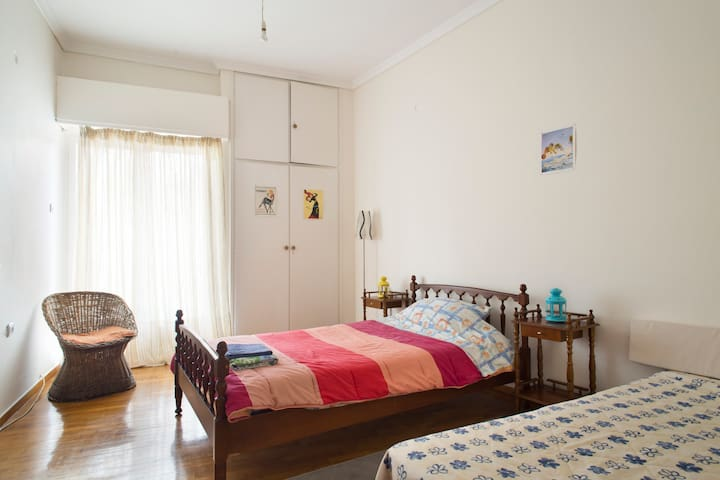cheap flat at the heart of Athens