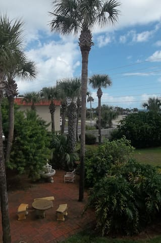 Family Townehouse Condo by the Sea - Ormond Beach - Departamento