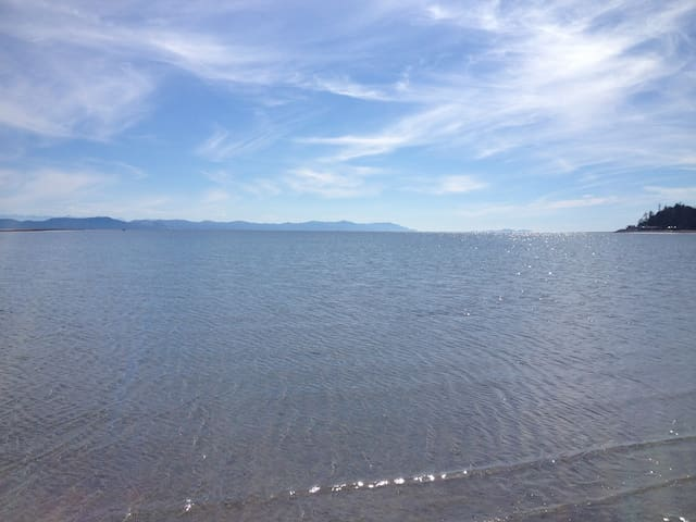 Ocean View family friendly home - Comox - Huis
