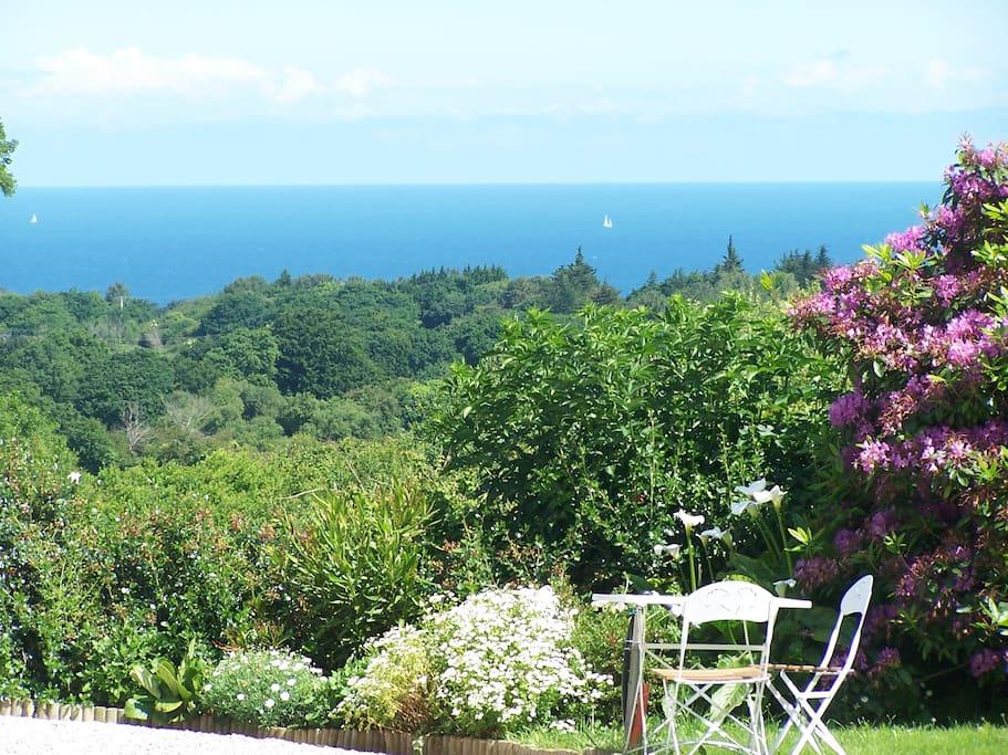 Jardin vue sur mer