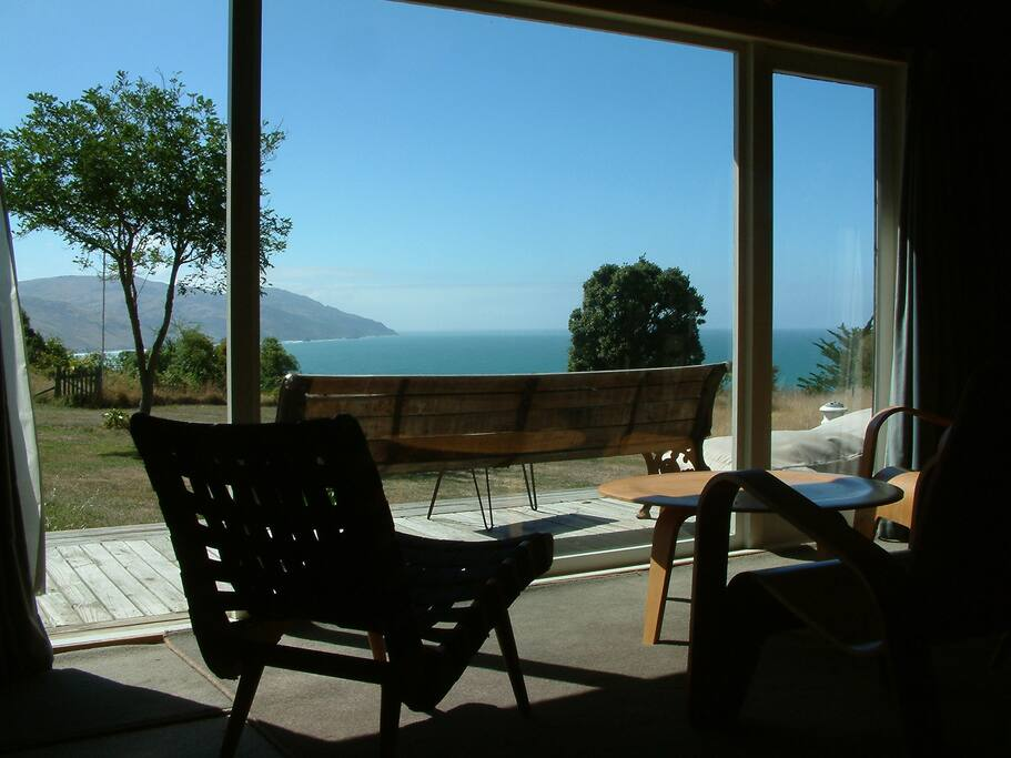 The large lounge offers extensive ocean views North up the coast to Kaikoura