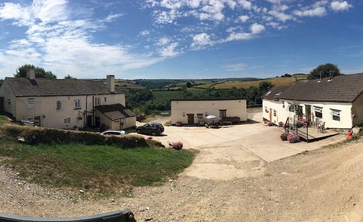 The Farmhouse - Luckyard Farm