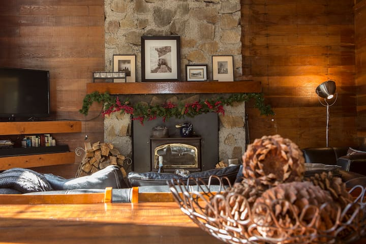 The coziest cabin in the woods - Soda Springs - Huis