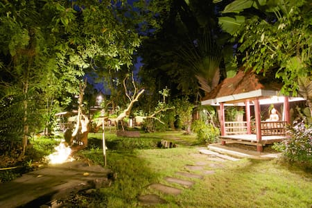Time for an Escape; Lampang Provinc - Aumpher Muang - Bed & Breakfast