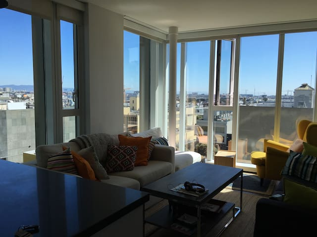 Bright, urban SOMA apt with awesome view - San Francisco