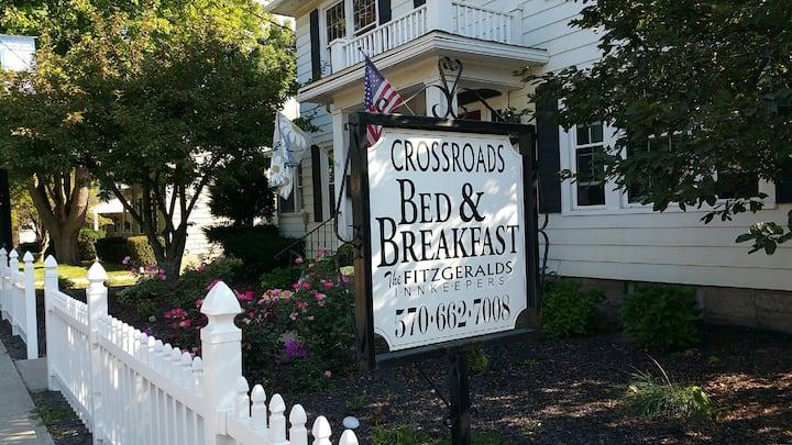 Crossroads Bed & Breakfast - The Loft