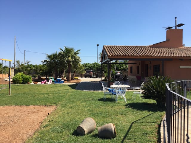 Prive Chalet met prive zwembad en vrij uitzicht - Chella - Bungalow