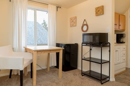 Apt in Quiet Tacoma Neighborhood - Appartement