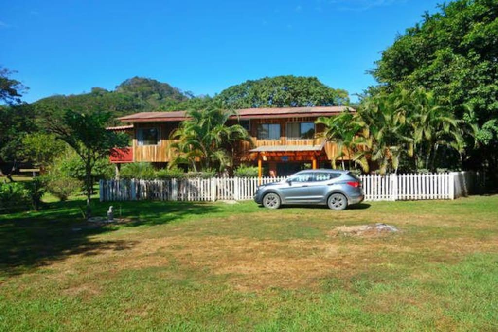 Beautiful farmhouse in area nicoya houses for rent in for Mansions in costa rica