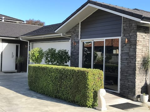 Explore Hawke's Bay - self-contained studio.