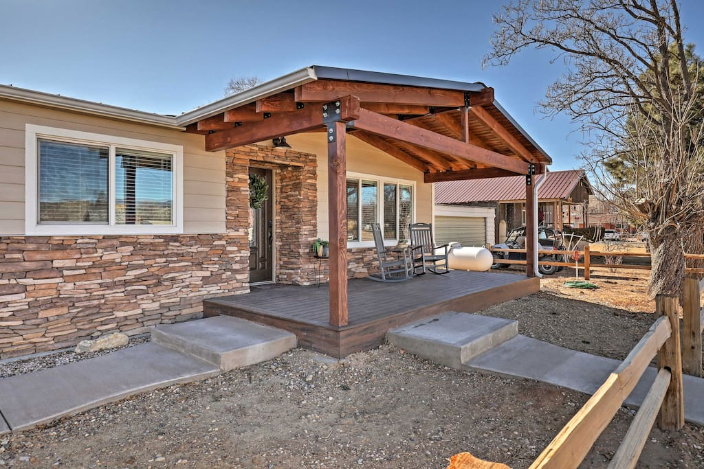 This home makes it easy to appreciate the outdoors.