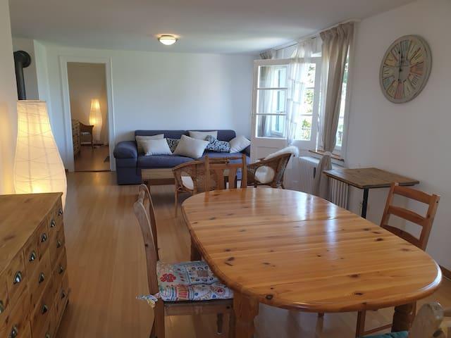 Hübsche 3-Zimmer-Ferienwohnung 70m2 in Seenähe