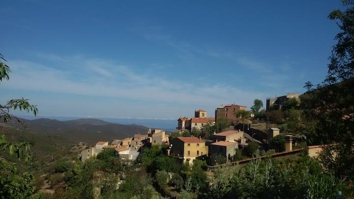 maison familiale entre mer et montagne à Novella