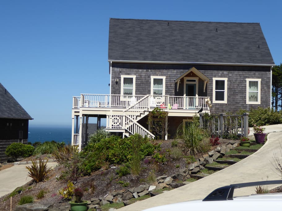 697b68ea-a35a-4c8f-9de2-05997c3b438a Beach House Lincoln City Oregon