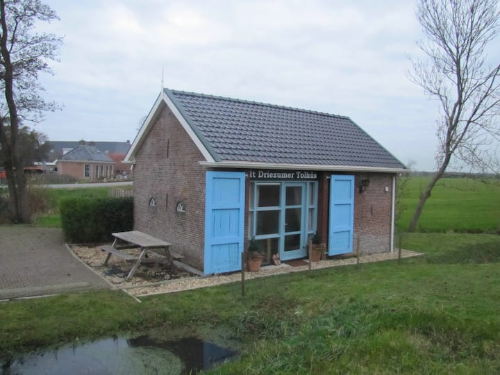 Old Toll House near Dokkum and Wadden Sea (2 Pers)