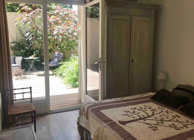 COSY FLAT WITH PRIVATE COURTYARD NEAR PERPIGNAN