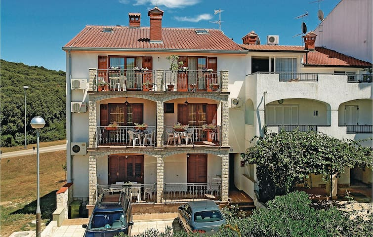 Holiday apartment with 4 bedrooms on 104 m²