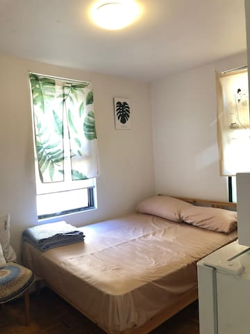 A room in 3-bedroom apartment