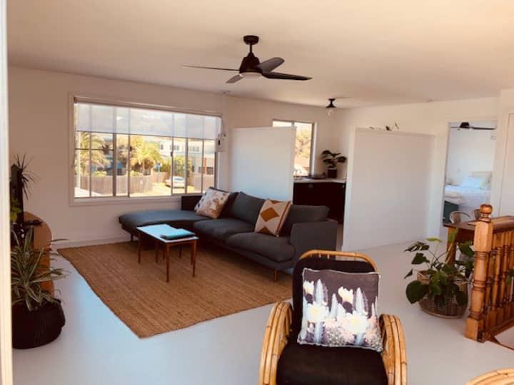 The Loft Studio-New Listing-Heart of VillageCentre