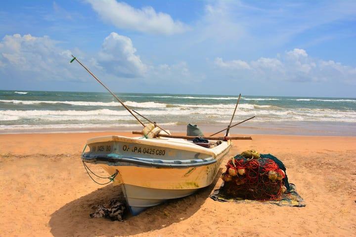 Deep Blue Colombo Seaside Luxury Apartment