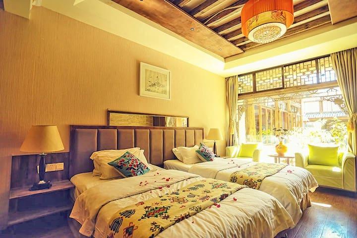 丽江古城区束河古镇中心和天下客栈双床房 标间 - Lijiang