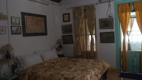 Double Room with Breakfast @ Sadanand House