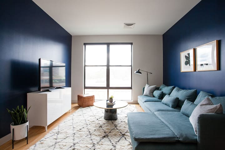 Sonder | Seaport District | Lively 1BR + Laundry