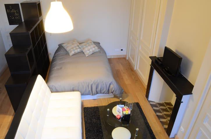 Coté chambre et salon