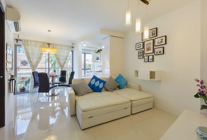 Amazing 2BR East Coast condo apartment