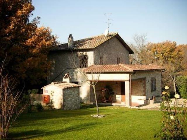 Villa del Rio - Montecchio - Dům