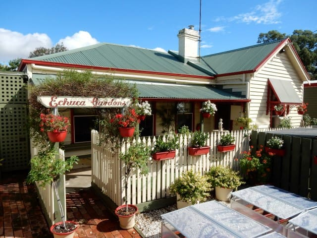 Echuca Gardens Cottage