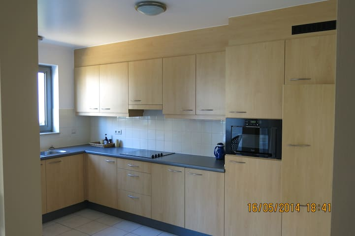 Fully furnished 2 bedroom apartment - Zaventem - Appartement