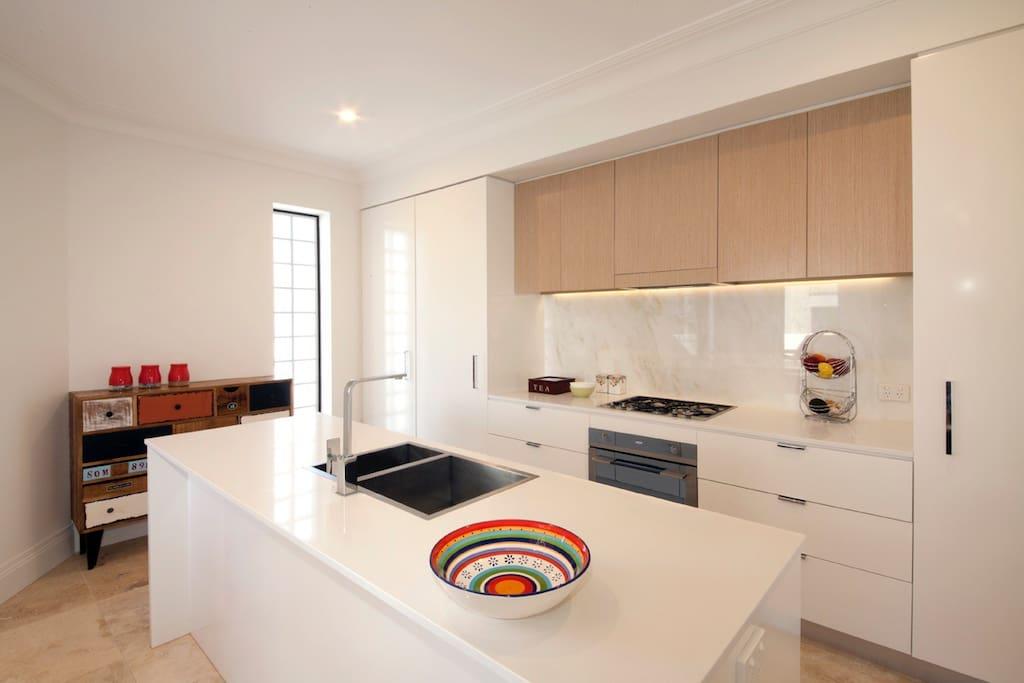 Ultra Modern New Kitchen