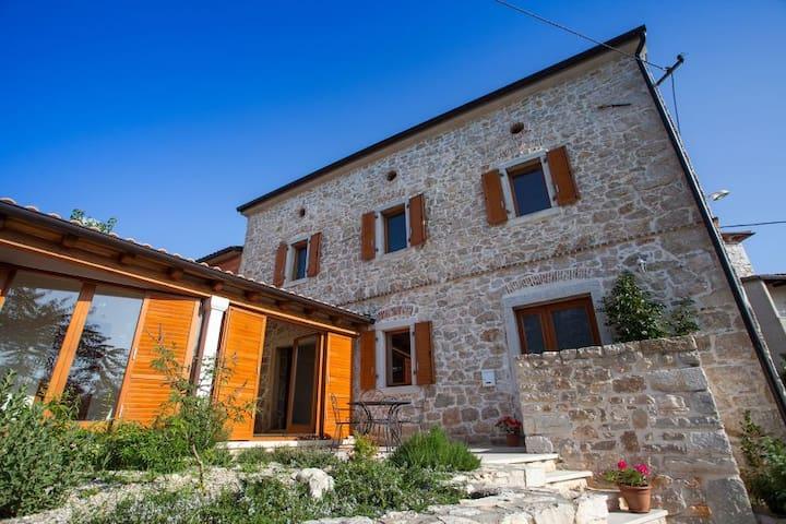 Sunny house holiday home - Poreč